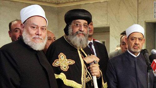 54c386756 مفتي مصر يندد بدعوة فرض الحجاب على المسيحيات