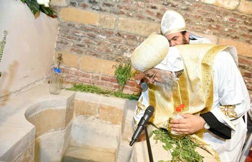 البابا تواضروس الثاني يفتتح كنيسة أبي سيفين الأثرية بمصر القديمة