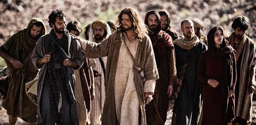 صورة من فيلم تمثل المسيح وتلاميذه