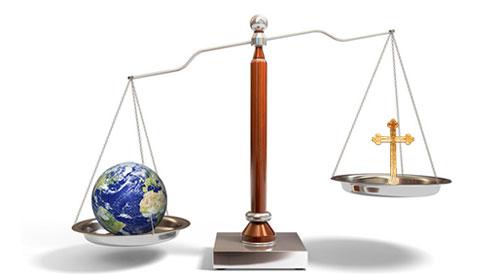 الدفاع عن الحق واجب وطني ام ايماني؟ صورة العالم على الميزان اثقل من الصليب