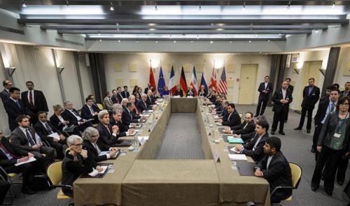 الاتفاق بشأن البرنامج النووي الإيراني - صورة من المفاوضات في مدينة لوزان السويسرية (غيتي)