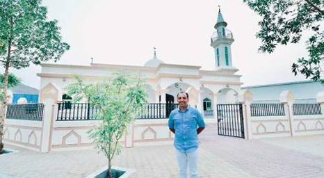 رجل أعمال هندي مسيحي يبني مسجدًا في الإمارات