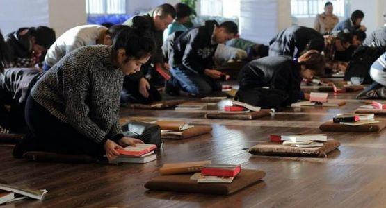 المسيحيون الصينيون يتعرضون للتعذيب في معسكرات غسيل الأدمغة