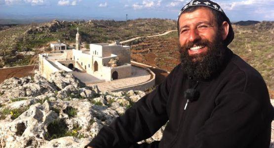 الحكم على كاهن مسيحي آشوري بالسجن عامين في تركيا