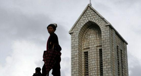 إطلاق سراح قس في لاوس سجن لأكثر من عام وادين بـ الإخلال بالوحدة