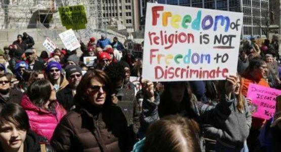الجنس فوق الدين: علماء القانون يناقشون مشهد الحرية الدينية في أمريكا