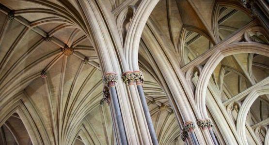كنيسة إنجلترا تصدر إرشادات بشأن النصب التذكارية الخاصة بالعبودية