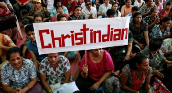 عائلات مسيحية تجبر على الفرار من منازلها بعد أن هاجمها قرويون هندوس