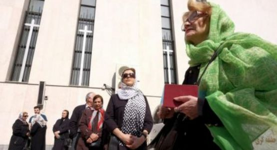 السلطات الإيرانية ترفض إطلاق سراح مبكر لسجناء تحولوا إلى المسيحية