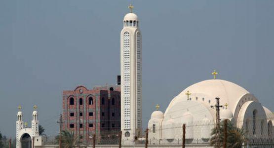 الحكومة والكنائس في مصر تنتهي من إعداد قانون الأسرة للمسيحيين