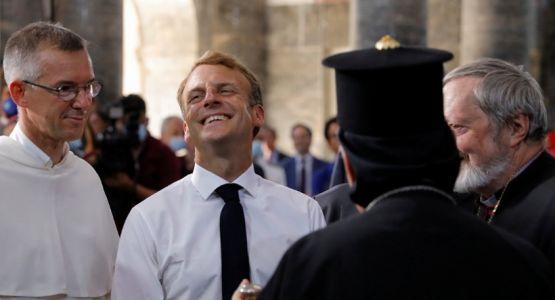 الرئيس الفرنسي يزور الموصل ويلتقي بمسيحيين