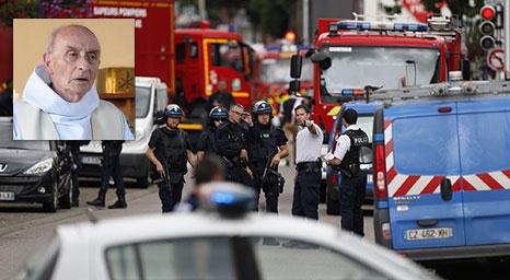 مسلمون يذبحون كاهنا ويحتجزون رهائن في كنيسة فرنسية