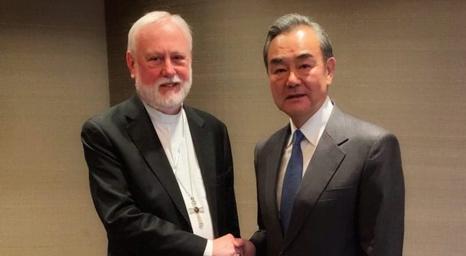 مسؤول فاتيكاني يلتقي وزير خارجية الصين في اجتماع  رفيع المستوى