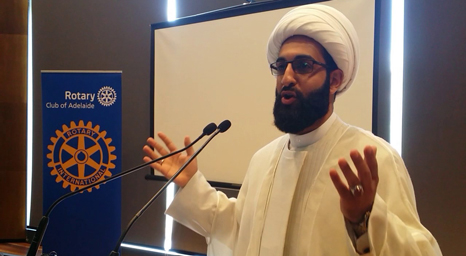 إمام شيعي يحذر من التمدد الإسلامي في الغرب ويدعو الى التحرك قبل فوات الفرصة