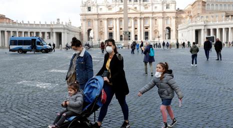 بسبب كورونا: الفاتيكان يغلق ساحة القديس بطرس والكاتدرائية أمام السياح