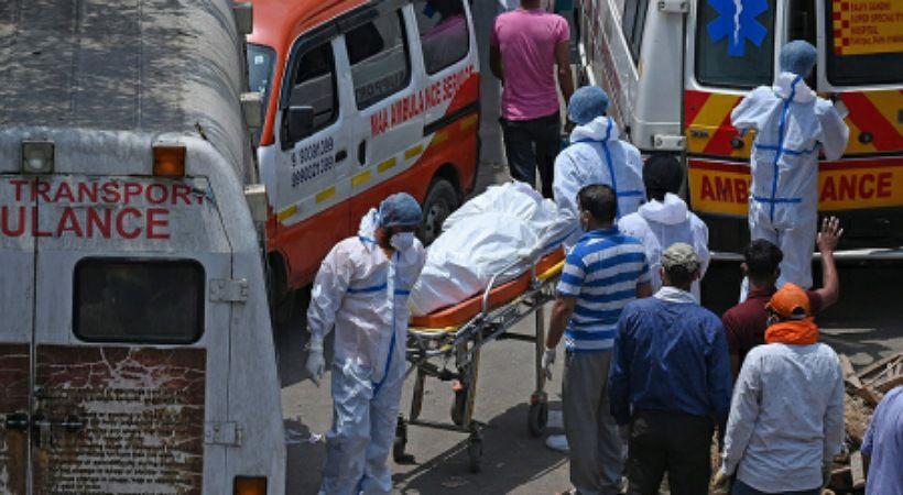 قس هندي: الموجة الثانية من COVID أصابت كل بيت