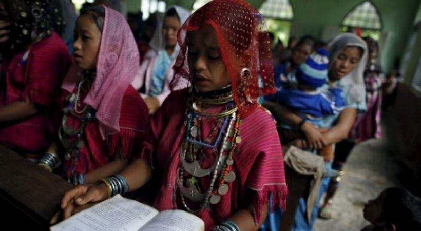 مقتل 4 في قصف كنيسة كاثوليكية في ميانمار مع استمرار العنف