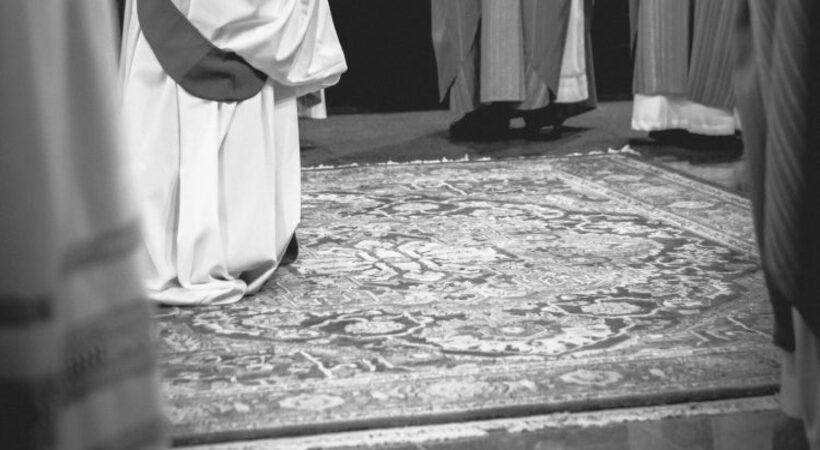 إيران تطرد راهبة إيطالية قضت حياتها من أجل فقراء البلاد