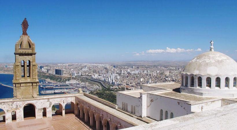 الجزائر تعيد كنيسة تاريخية لكنها توقف عبادة المسيحيين في 20 أخرى