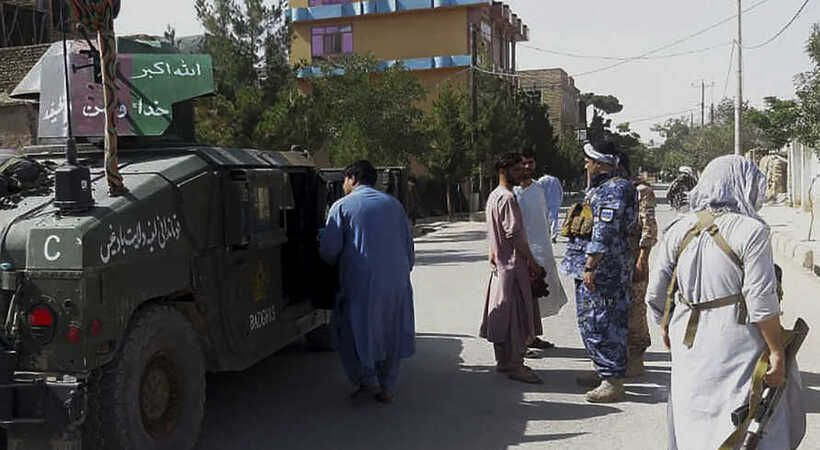 المسيحيون الأفغان ينادون بالصلاة إثر تمدد طالبان في البلاد