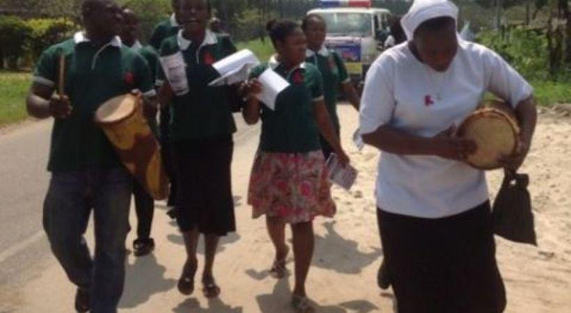 في إفريقيا ترافق أشكال التعبير الثقافي الممارسات المسيحية