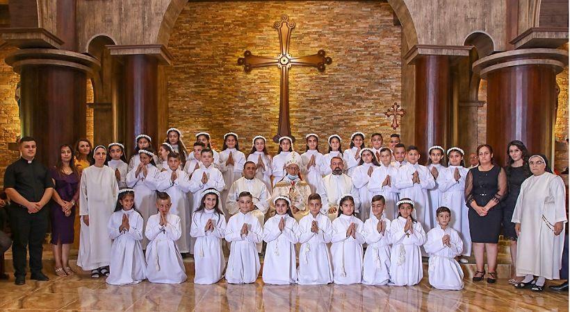 مشاهد من الرعب والأمل تحاصر المسيحيين العراقيين