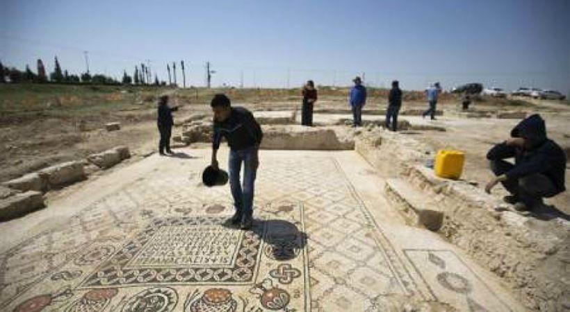 علماء آثار إسرائيليون يعثرون على نقش عمره 3100 عام مرتبط بسفر القضاة