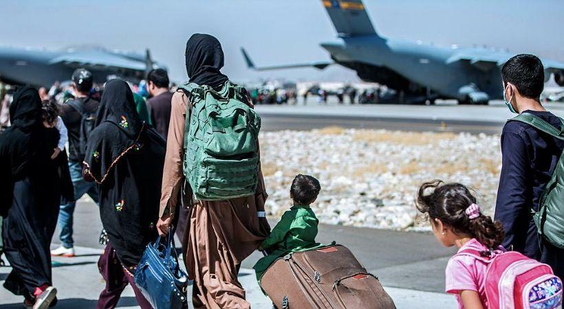 خدمة Samaritan's Purse ترعى الرحلات الجوية لمساعدة الأفغان على الفرار
