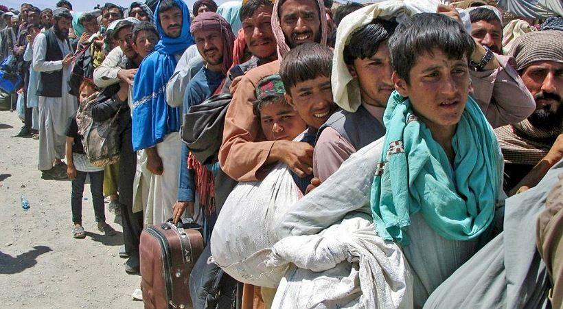 قافلة لاجئين مسيحية أفغانية تتوجه إلى باكستان