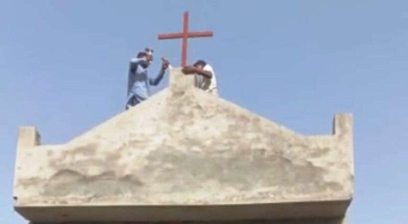 تصرفات الغوغاء في كنيسة جديدة تغضب المسيحيين الباكستانيين