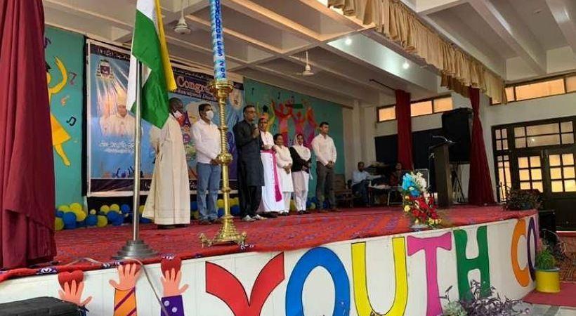 كاهن يدعو شبان مسيحيين عاطلين عن العمل في باكستان للتوقف عن الشكوى