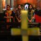 فتاة مسيحية باكستانية تهرب بعد أن أمرتها المحكمة بالعيش مع مغتصبها المسلم