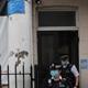 الشرطة البريطانية توقف خدمة معمودية تحدت قواعد الإغلاق في لندن