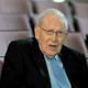 وفاة اللاهوتي جي اي باكر مؤلف كتاب معرفة الله عن عمر يناهز 93 عامًا