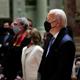 بايدن يحضر أول قداس له كرئيس في كنيسة صلى بها جون كيندي