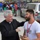 مسؤول في الفاتيكان يدعو الكنائس والأديرة لاستقبال لاجىء واحد كحد أدنى