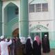 سعيًا لأسلمة الجزيرة: الإسلاميون في مدغشقر يدفعون المال للنساء لارتداء النقاب