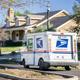 موظف يقاضي دائرة البريد الأمريكية بسبب العمل الإلزامي يوم الأحد