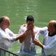 كنيسة الرجاء الحي – ابو سنان تقوم بخدمة المعمودية في اليردنيت