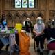 كاتدرائية ليشفيلد في انجلترا تفتح أبوابها كمركز للتطعيم ضد كوفيد