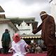 جلد 11 شخصًا بينهم نساء في إندونيسيا بتهمة مخالفة الشريعة الإسلامية