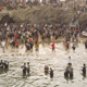 كنيسة في كاليفورنيا تحتفل بحوالي 1000 شخص تعمدوا على الشاطئ خلال نهضة روحية