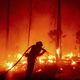 الملايين في خطر من الدخان المتفشي والخطير مع اندلاع حرائق الغابات في الساحل الغربي الأمريكي