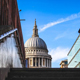 الكاتدرائيات في جميع أنحاء إنجلترا تعلق العبادة العامة حيث لا تزال حالات كوفيد عالية
